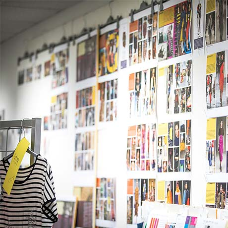 Popken Fashion Group Magazin Layouts an der Wand